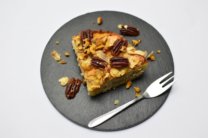 Apple pie with pecan nuts